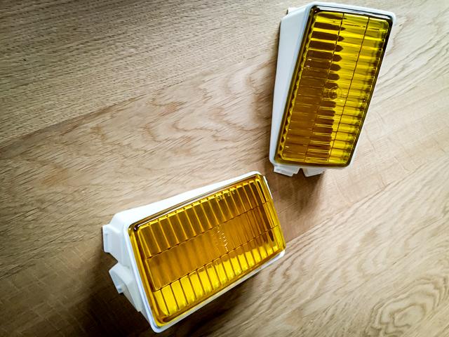 porsche-911-nebenscheinwerfer-gelb