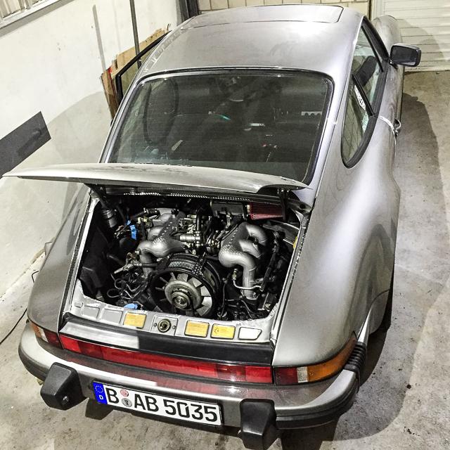 porsche-911-motoreinbau-1